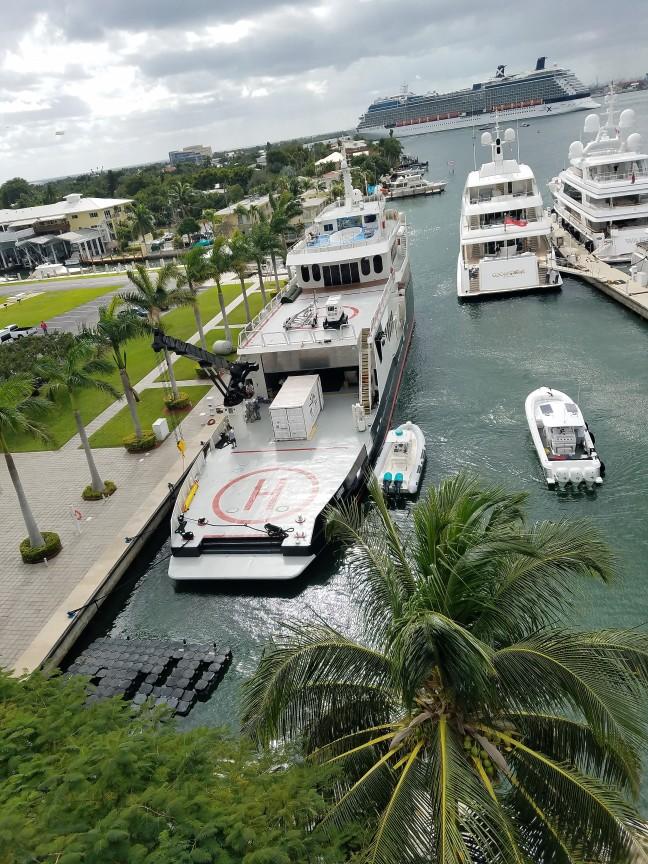 helipad-yacht
