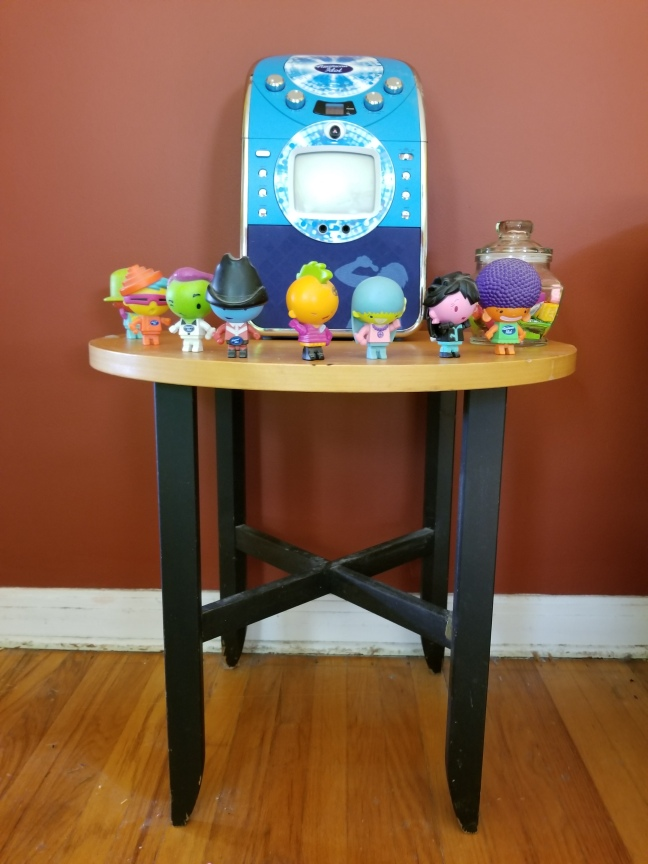 Idol End Table